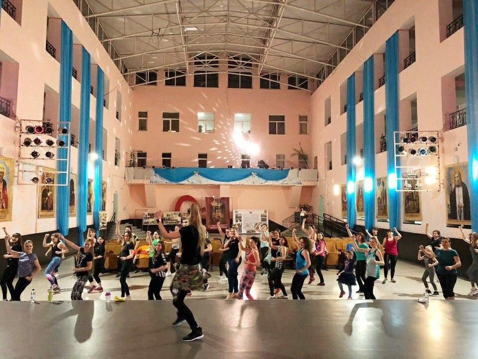 В стенах Молодежного центра Краснодара состоялся первый открытый мастер-класс по программе Zumba fitness