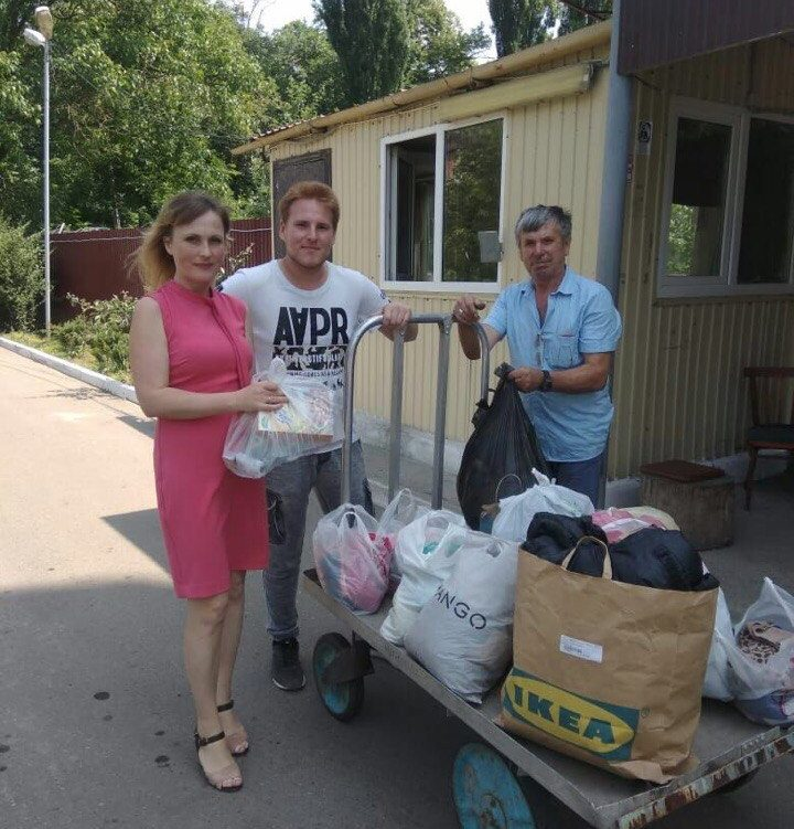 Помогать -приятно! Волонтеры Молодежного центра направили в Центр социальной адаптации гуманитарную помощь